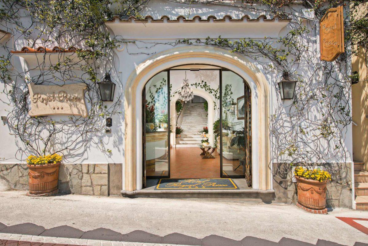 entrata royal prisco best hotel in center of positano. Black Bedroom Furniture Sets. Home Design Ideas